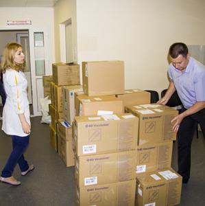 Сеть обеспечила пациентов Института им. Громашевского необходимыми товарами медицинского назначения