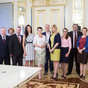 Президент Украины Петро Порошенко подписал Закон об упрощении регистрации лекарств в Украине