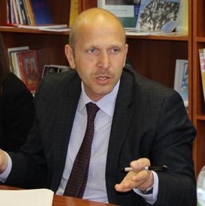 Мережа ЛЖВ та Глобальний Фонд зупинять епідемію ВІЛ в Україні найближчим часом