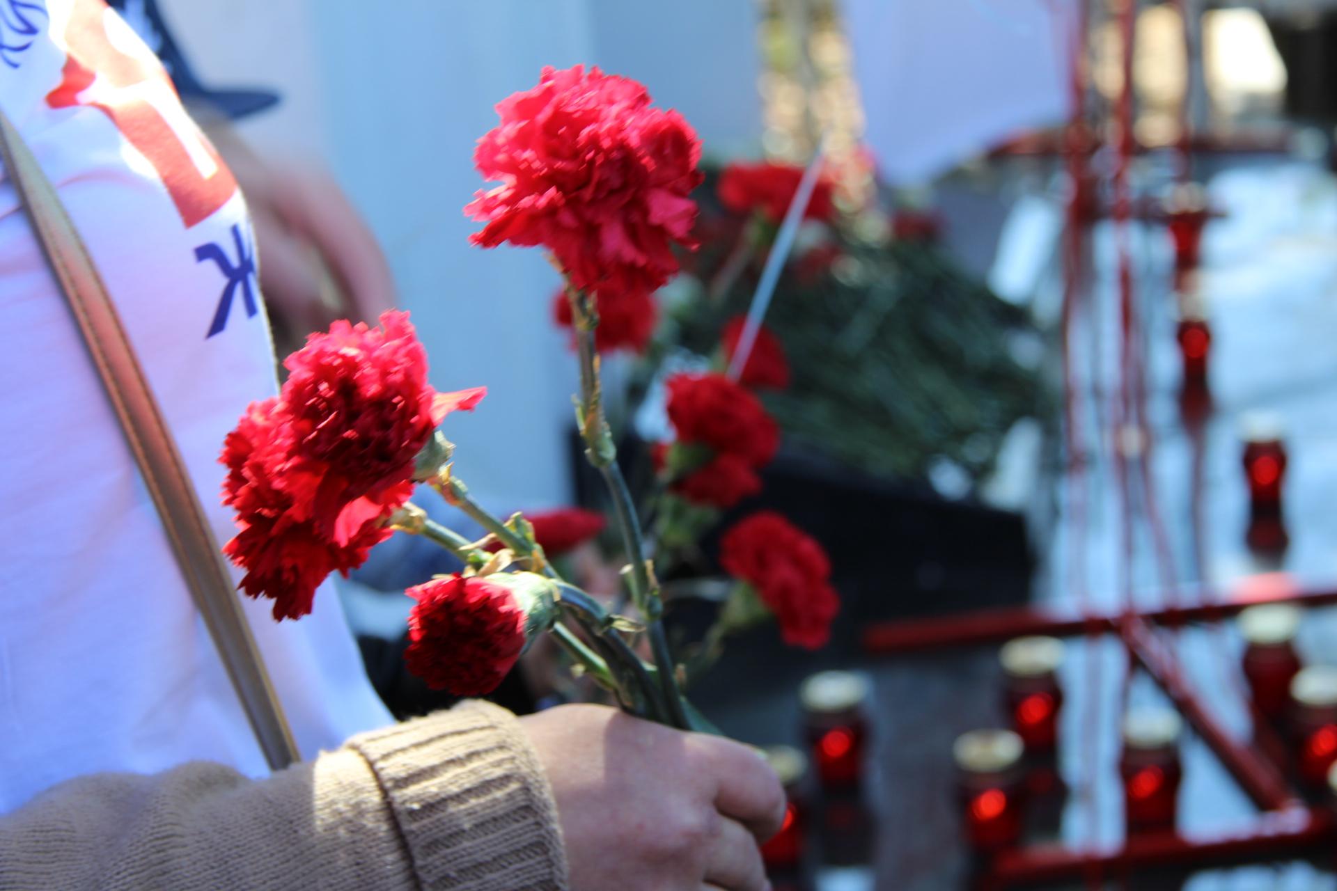 Более 42 000 умерших от СПИДа появились на акции памяти