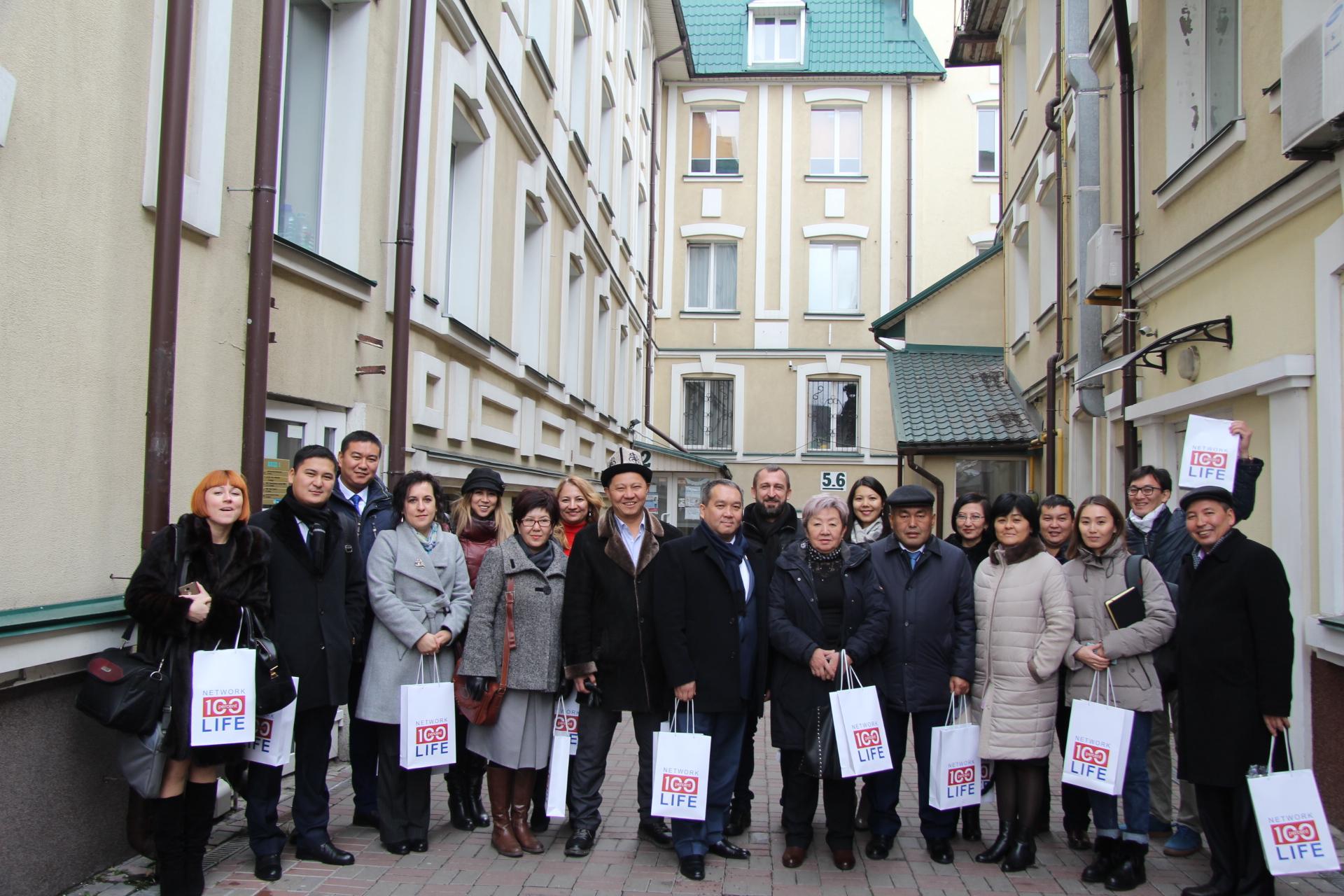 Сеть ЛЖВ посетила делегация из Киргизстана